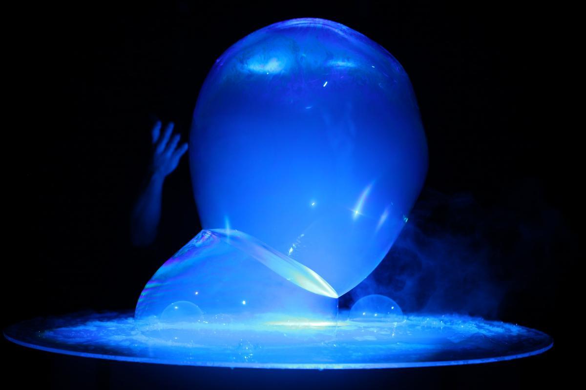 Burbujas de colores. El Señor de las Burbujas.