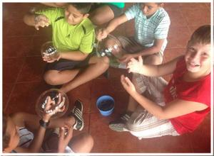KIDS-PLAYING-WITH-BUBBLES-workshops.jpg
